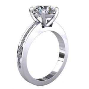 טבעת אירוסין זיניה